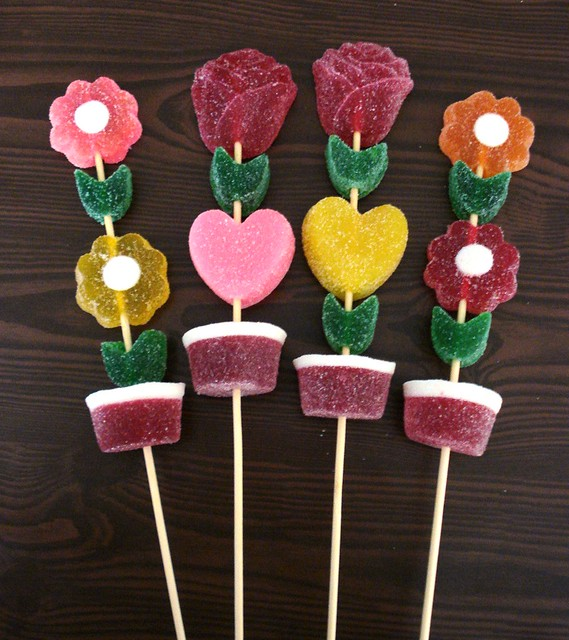 MACETAS CON FLORES Y CORAZONES | Flickr - Photo Sharing!
