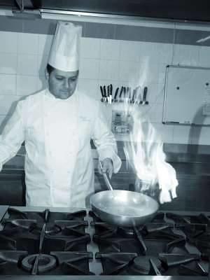 In cucina con gli chef corsi culinari nelle tenute la - Corsi cucina brescia ...