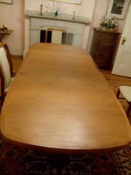 Item 2 Benny Linden Teak Table