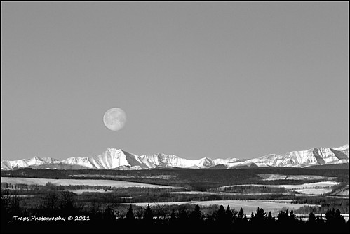 MoonSet On Mountains