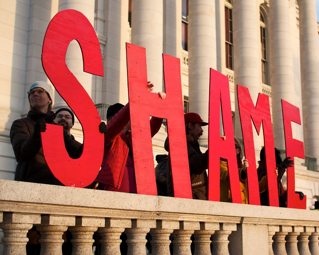 Public shaming sign