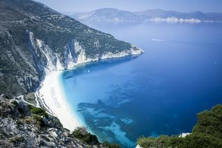Myrtos Beach (Παραλία Μύρτος) Myrtos Beach közelében Ásos képe. ocean blue sun beach nature water greek boat sand greece myrtos