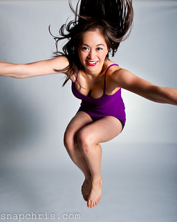 Lisa Gauyan : Beautiful Asian Dancer jumps