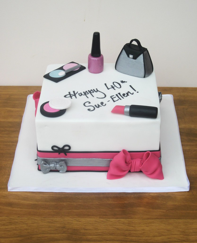 Makeup Bag Cake Ideas