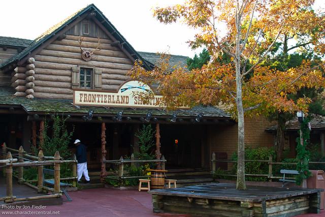WDW Dec 2010 - Exploring Frontierland