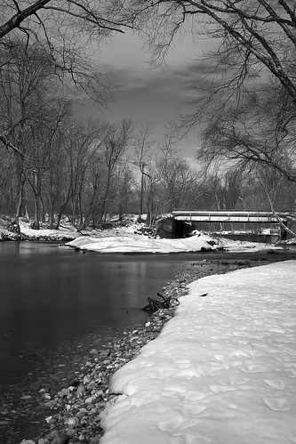 morning winter bw snow ice canon river sunday footprints maryland 7d l 24mm ef2470mmf28lusm ftmeade dki