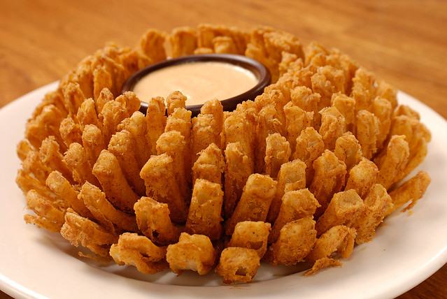 how to cook a blooming onion