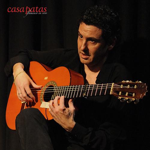 Antonio Españadero a la guitarra. Foto: Martín Guerrero
