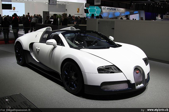 bugatti veyron grand sport matt white carbon blue 1. Black Bedroom Furniture Sets. Home Design Ideas