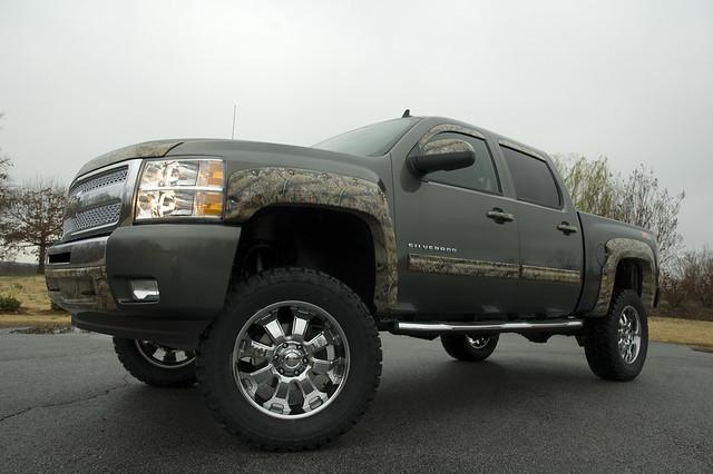 Lifted Chevy Silverado Trucks