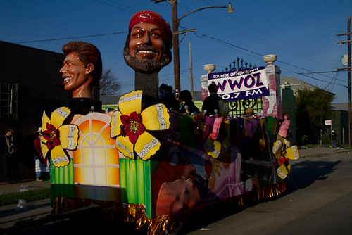 BACCHUS: WWOZ float lines up on Tchoupitoulas