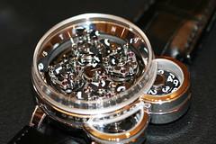 【箱無し・保証書無しの場合】ハリーウィンストン腕時計の買取相場を徹底調査