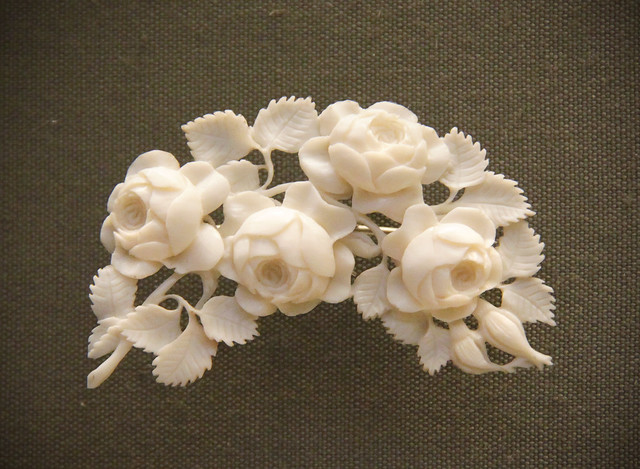 Carved ivory bouquets, German, Erbach-im-Odenwald, mid-19c