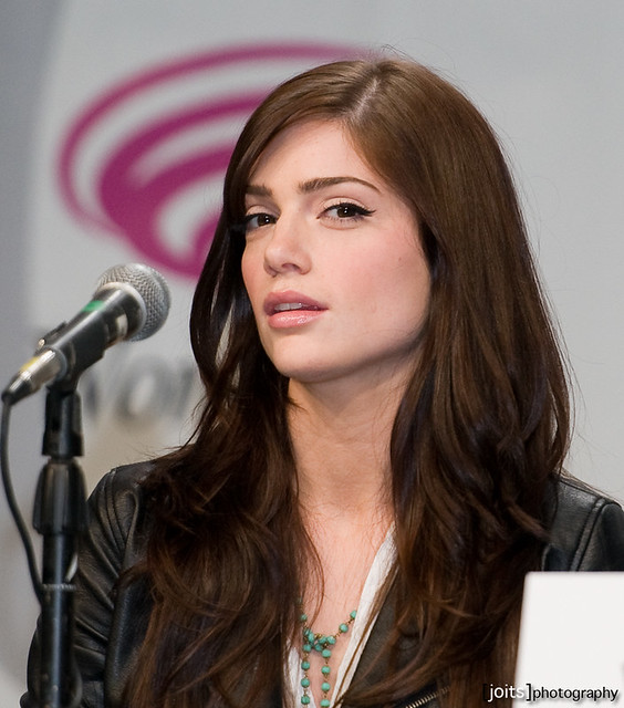 Janet Montgomery - Images Colection
