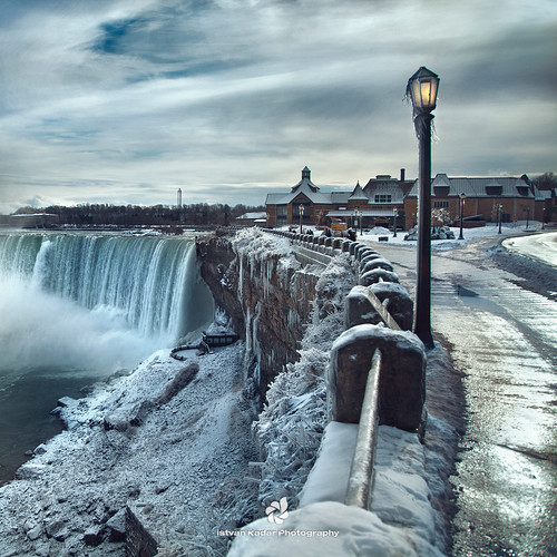 blue winter canada cold ice landscape niagarafalls frost falls lamppost waterfalls impressedbeauty top20wintertime magicunicornverybest outstandingromanianphotographers