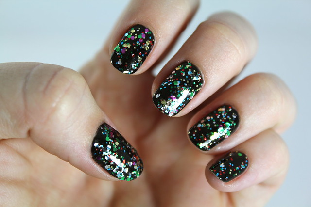 Black gem manicure