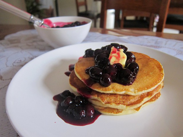 Buttermilk pancake with blueberry sauce