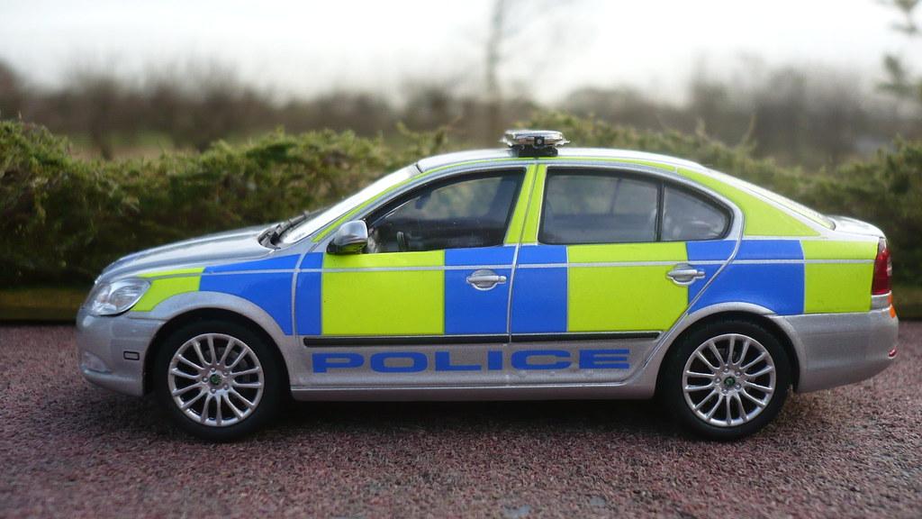 Code 3 1/43 Skoda Octavia Police Response Car
