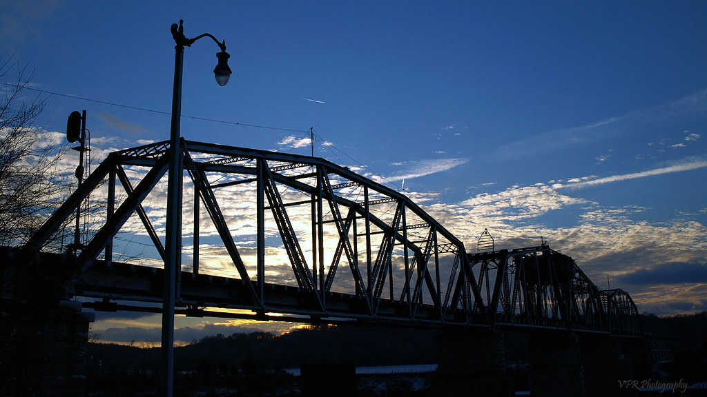 Elevation of madison st clarksville tn usa maplogs railroad winter sunset silhouette clouds streetlight tn streetlamp tennessee signal swingbridge clarksville cumberlandriver riversidedrive montgomerycounty sciox Image collections