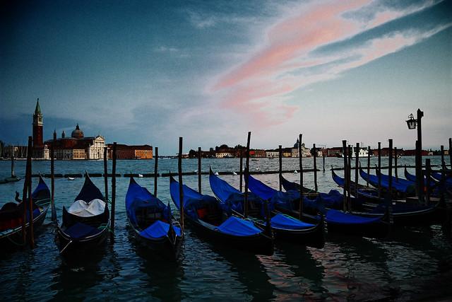 Venice Gondola- Flickr: Wenjie, Zhang