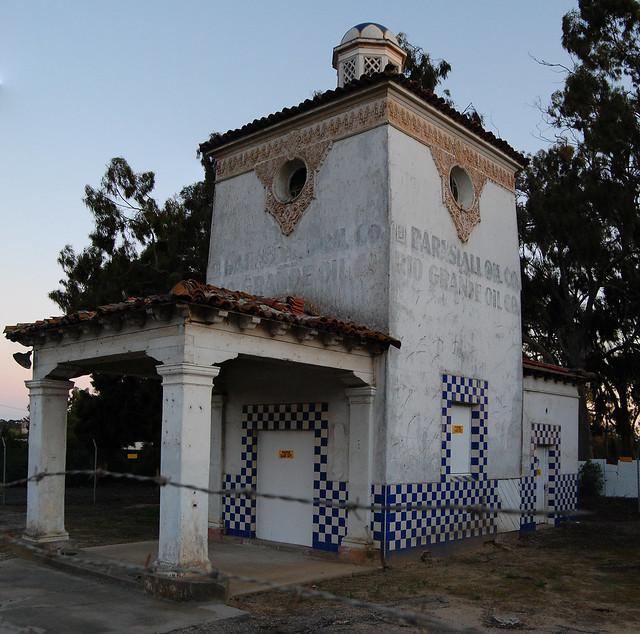 Barnsdall Rio Grande service station