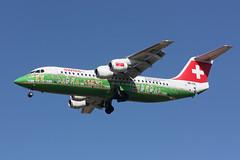 HB-IYS @ CHR : BAE Avro RJ-100 Swiss (livrée spéciale