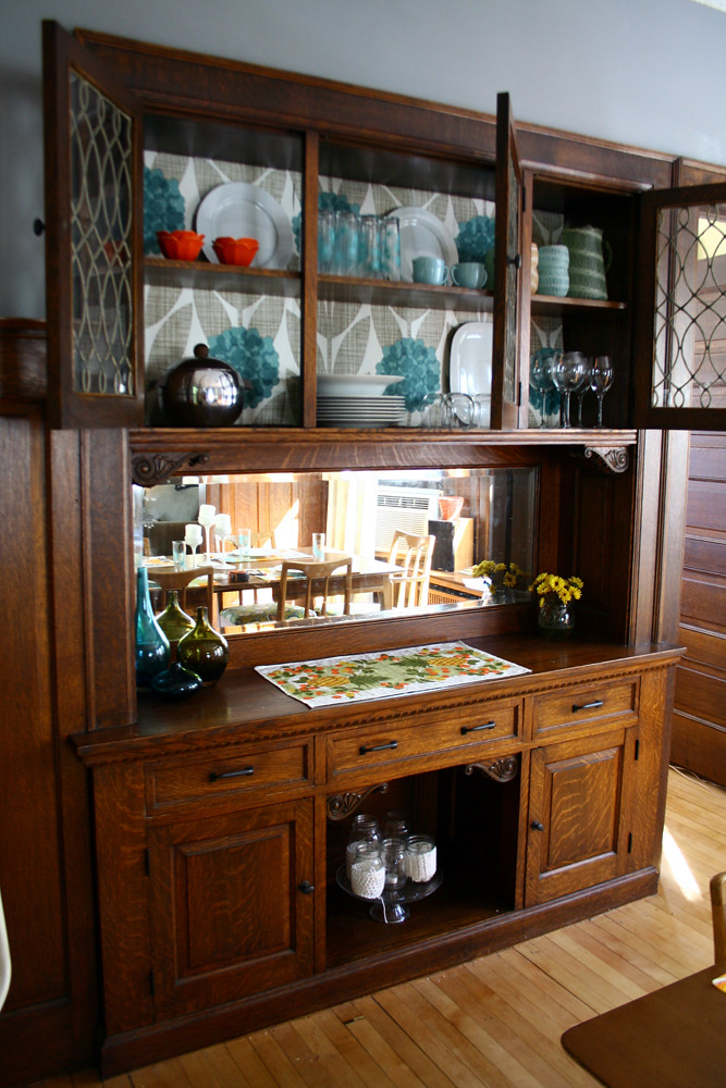 Dining room buffet makeover 100 free for Built in dining room buffet ideas