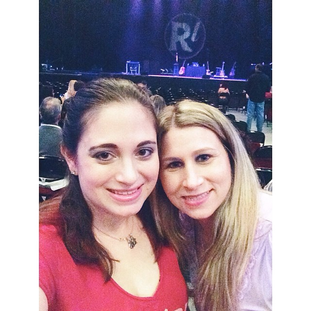 Me and Amy at the #RobThomas show! #concert #bestfriends