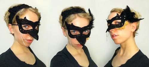 Raven lace mask
