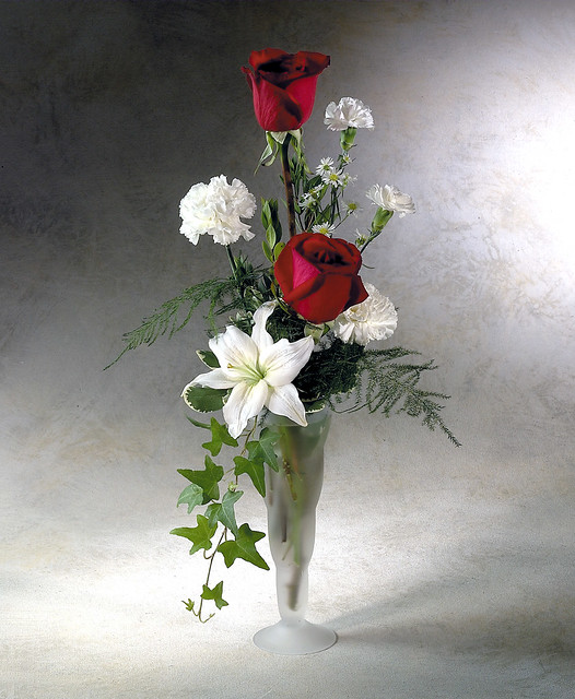 Bud vase flower arrangements vases sale - Flower arrangements for vases ...
