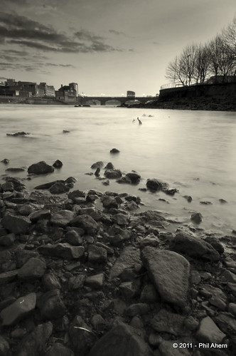 bridge bw river landscape shannon boathouse limerick curragower