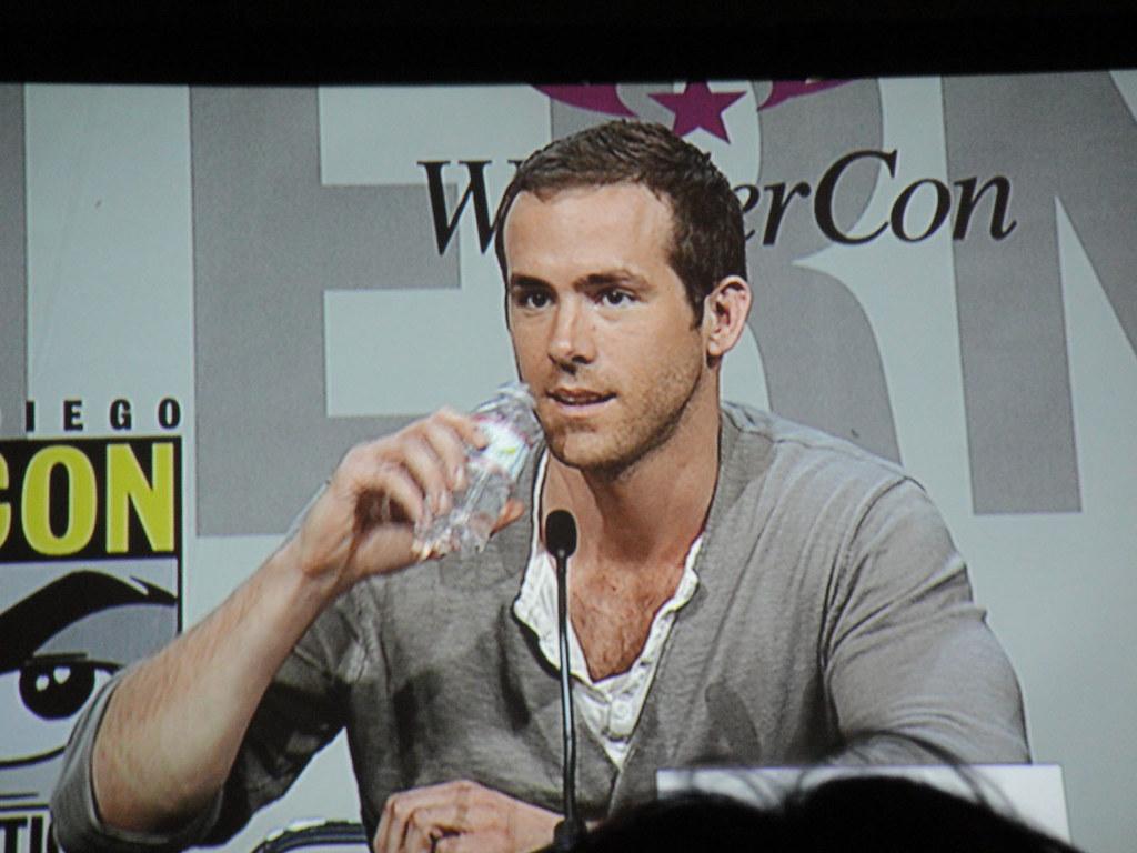 WonderCon 2011 - Ryan Reynolds at the Green Lantern panel