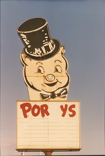 Iconic Porky's sign - St. Paul