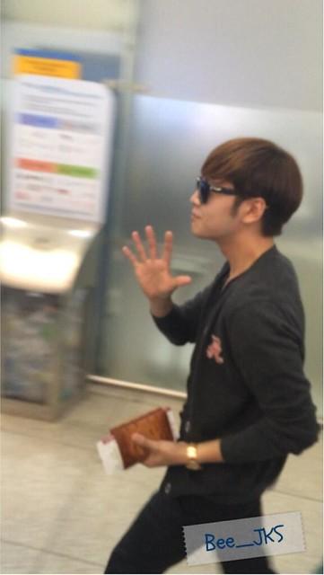 [Pics] JKS departs from Seoul to Beijing_20140425 14016128631_6440baf4d0_z