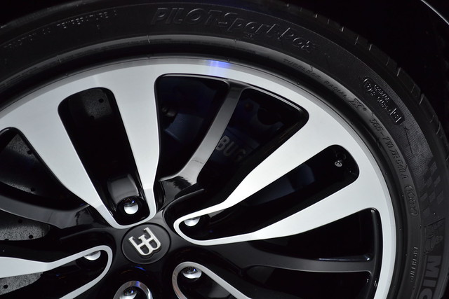bugatti veyron eb16 4 tires flickr photo sharing. Black Bedroom Furniture Sets. Home Design Ideas