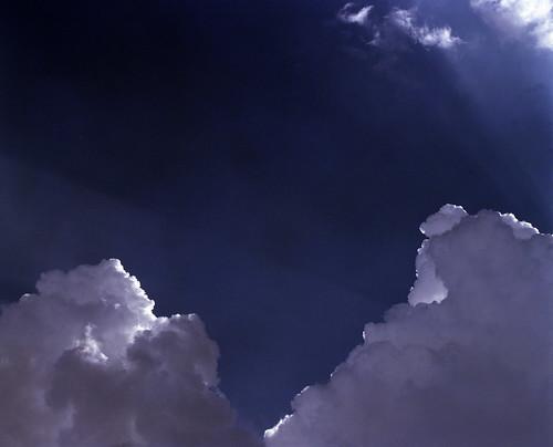 le ciel est dramatique