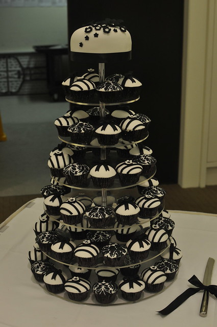 black and white wedding cupcakes | Reference For Wedding Decoration