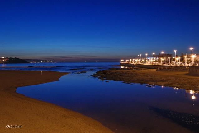 Playa San Lorenzo - piles - Gijón
