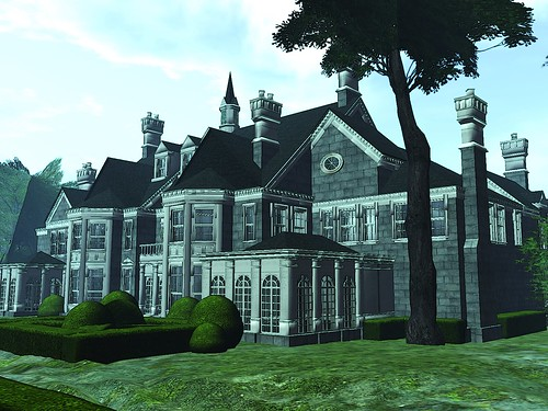 Hyde Manor - rear angle