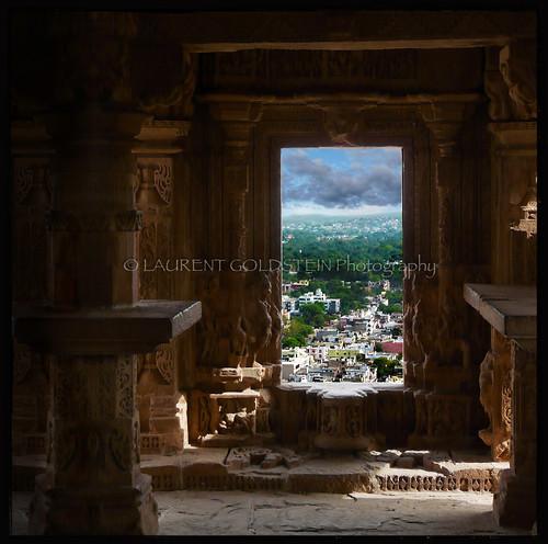 city travel sky india heritage window mystery architecture square temple vishnu colours view dream atmosphere medieval hindu gwalior madhyapradesh भारत hindusim indiasong absolutegoldenmasterpiece sasbahukamandir