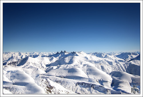 travel blue winter sky naturaleza sun snow ski france mountains alps cold 120 sol nature beautiful berg sunshine alpes canon landscape is scenery europa europe december skiing view natural snowy nieve natur sunny pic powershot resort berge ixus cielo hora flare invierno snowing peaks montaña 山 francia zima priroda blanc góry fjell montanas montagnes mountaintop picblanc snowcap hory snowcaps горы slunce 3300m гора snih vuoret sd940 ixus120is ixus120 sd940is canonpowershotsd940is