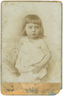 Debreczeni kisleány - Little girl from Debrecen - Knebel műterem - Hungary