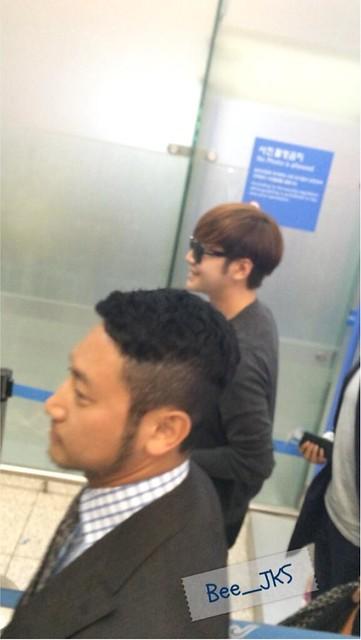 [Pics] JKS departs from Seoul to Beijing_20140425 14019779974_d2e0d48cbf_z