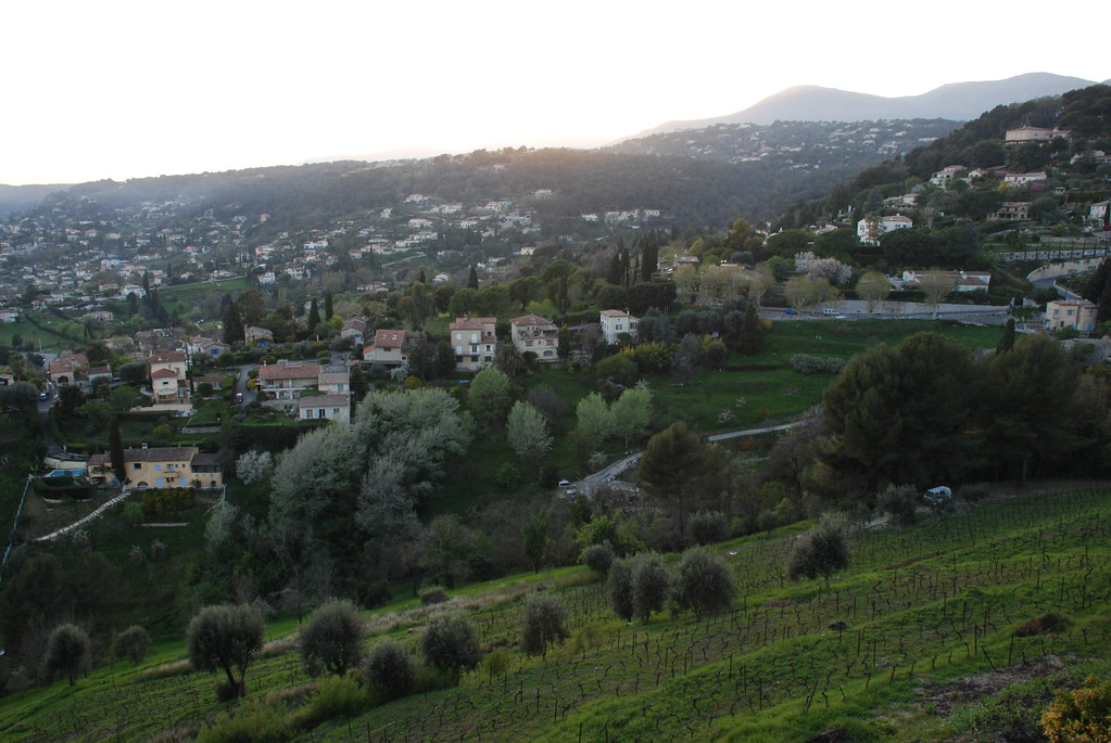 the village around La Colombe D'Or