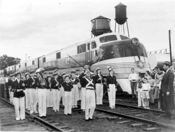 Arrival of the Orange Blossom Special train: Plant City, Florida