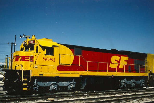 ATSF0017 C30-7 No. 8081 in SP-SF colors at Fresno, Ca in July 1986. This color scheme was born out of wishful-thinking concerning a merger between SP and SF; which the ICC in the end didn't approve on.