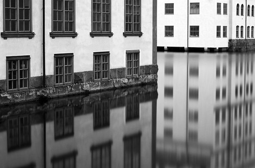 city longexposure bw white house black reflection building water 30 river sweden filter sverige norrköping canon50mmf14usm nd110 canoneos7d
