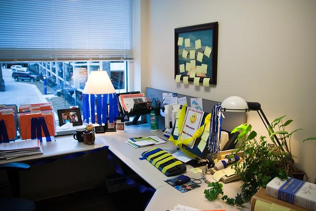 Fabulous Office Desk Birthday Decorations 500 x 334 · 154 kB · jpeg