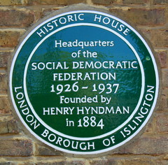 Photo of Social Democratic Federation and Henry Mayers Hyndman green plaque