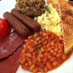 meal(1.0), vegetable(1.0), meat(1.0), produce(1.0), food(1.0), full breakfast(1.0), dish(1.0), cuisine(1.0), baked beans(1.0),